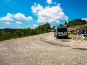 Unser Wohnmobil am Pas de la Graille in Frankreich / Provence