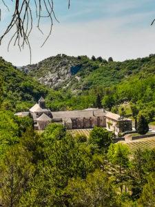 Kloster Abbaye de Senanque mit Lavendelfeldern