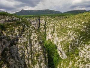 Blick von der Brücke Pont de l'Artuby