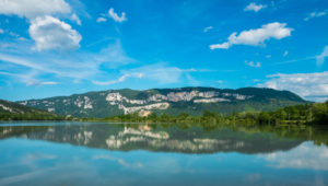 Kleiner See in der Nähe von Bregnier-Cordon