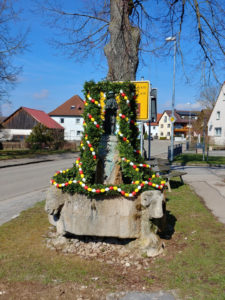 Osterbrunnen in Gerolfingen