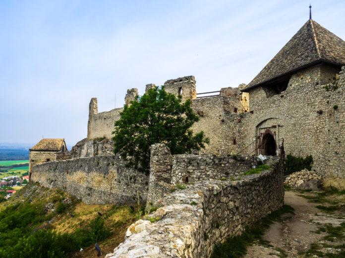 Burg Sümeg - Ausflugstipps mit Hund in Ungarn