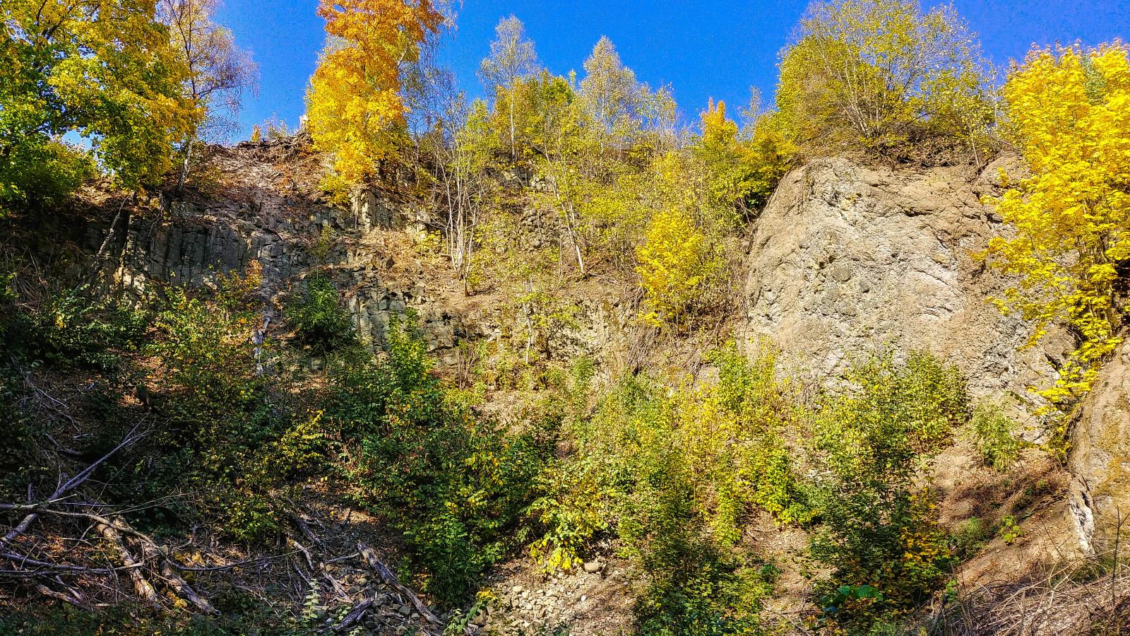 Basaltbruch unterhalb der Ruine Bramberg