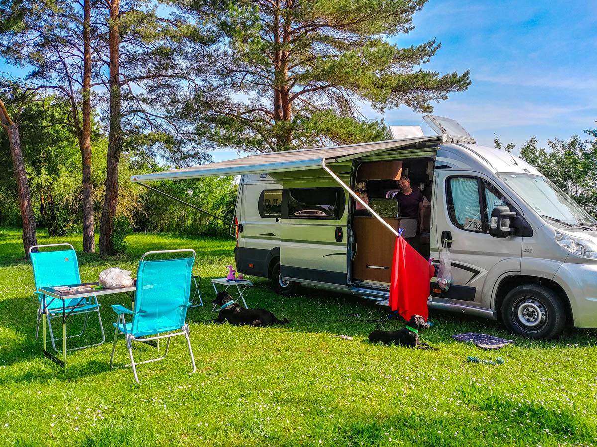 Stellplatz auf dem Romantik Camping in Bükfürdö