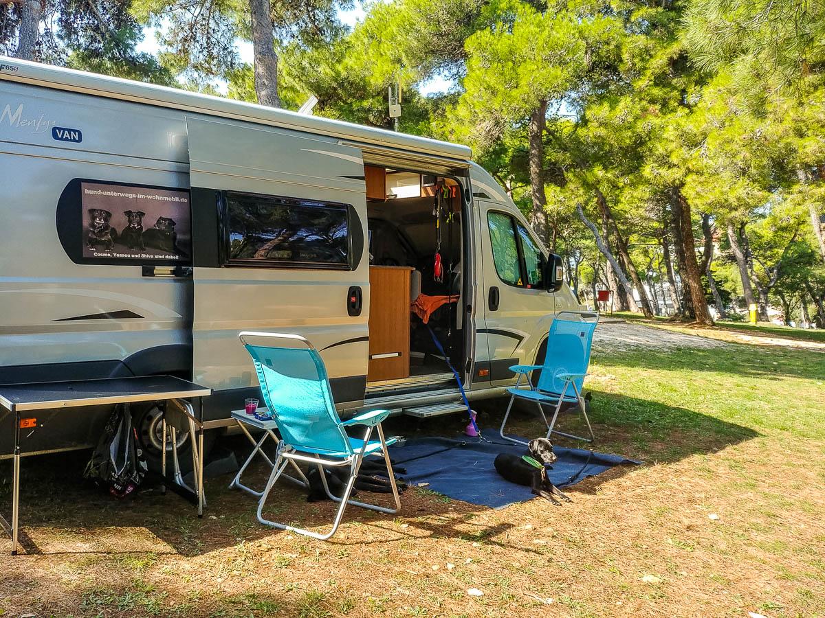 Wohnmobil auf Stellplatz Camp Stupice