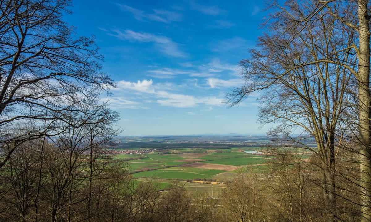 Blick von der Aussichtskanzel am Alpinum